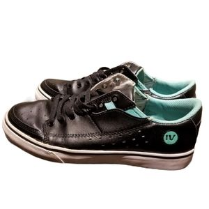 GRAVIS Wmns Black & Teal Skate Shoes (Size 8)